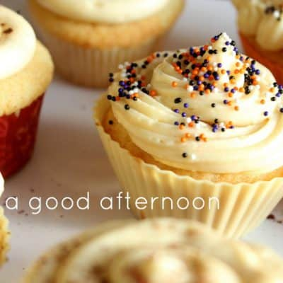5 Happiness quotes and pics of Halloween cupcakes to start your week off right