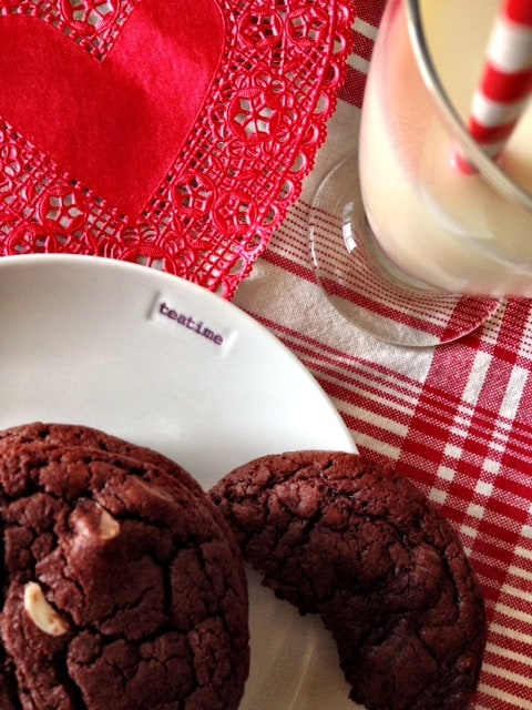 red-velvet-chocolate-chip-cookies