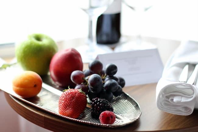 uniworld-welcome-fruit