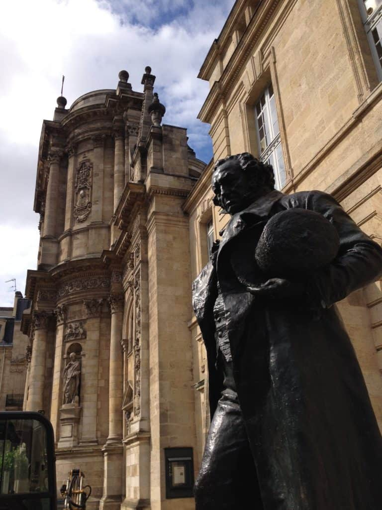bordeaux-france-goya-statue