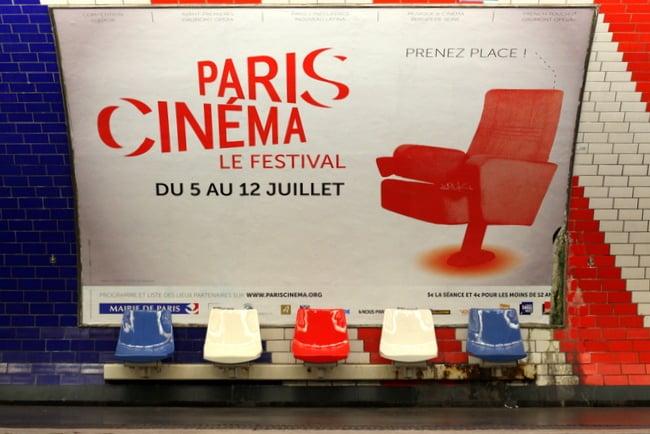 red-white-blue-subway-paris