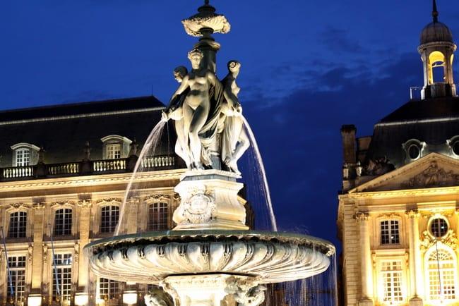Bordeaux-stock-exchange-night