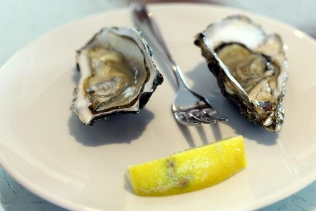 oyster-tasting-uniworld