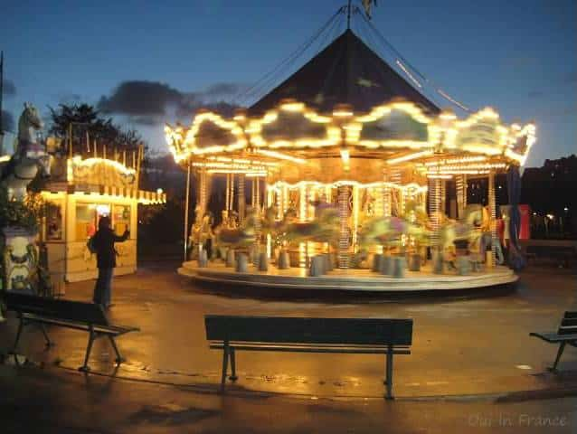 paris travel tips carousel