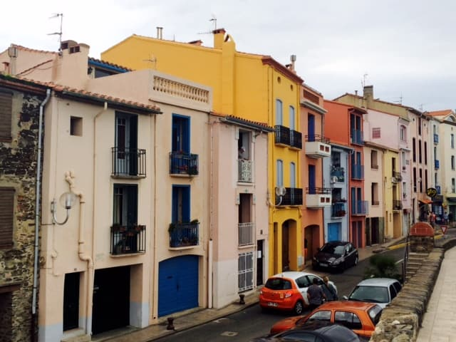 collioure colorful houses