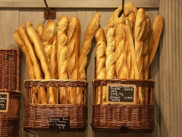 baguette etiquette in france