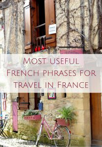 Most useful French phrases for travel in France