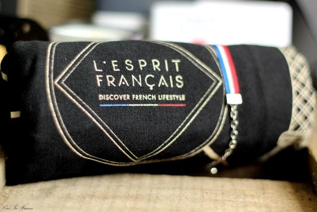 lesprit francais tote bag and bracelet