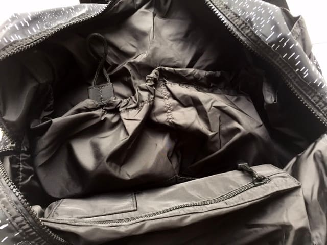 fabletics the shift bag review interior pouches