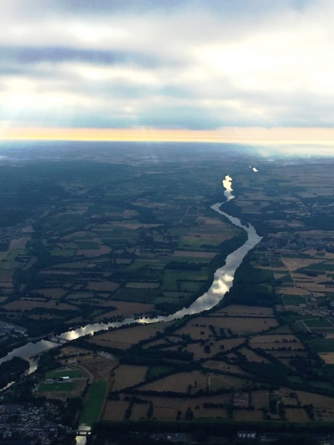 hot-air-balloon-above-chinon