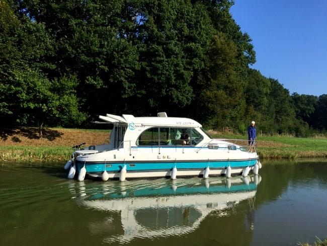 nicols-1010-boat-france-canals