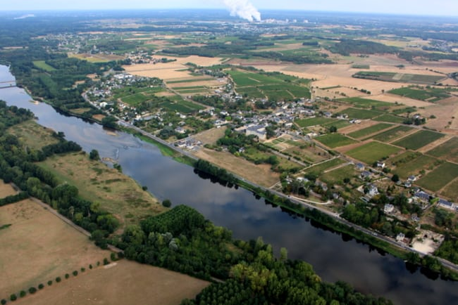vienne-river-chinon-view-from-hot-air-balloon