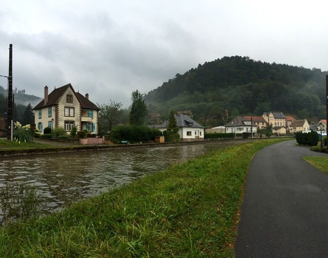 lutzelbourg-france-canal-view