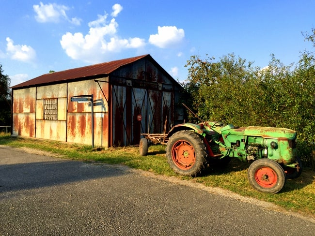 tractor-france-canal