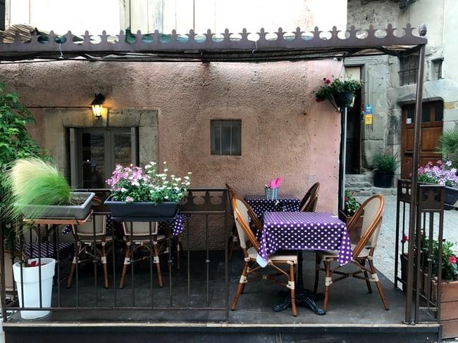 carcassonne restaurant scene