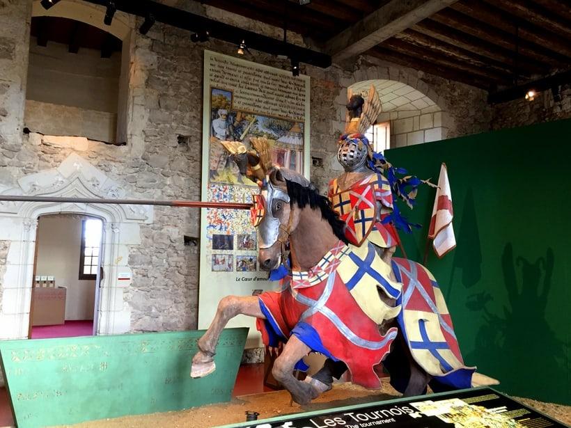 Château de Baugé exhibits for kids