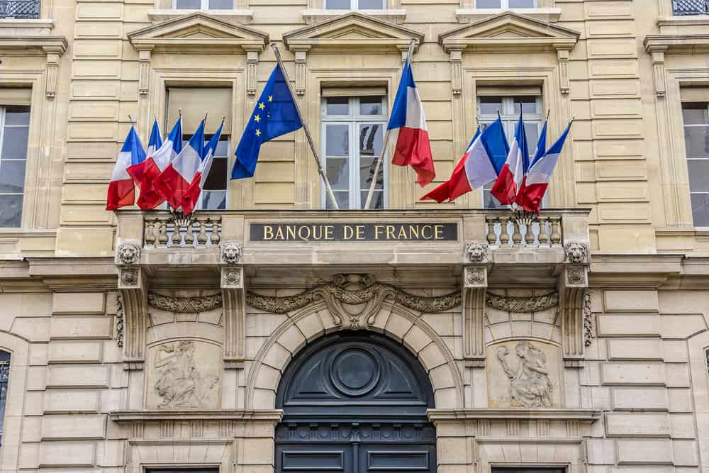 french banking differences usa