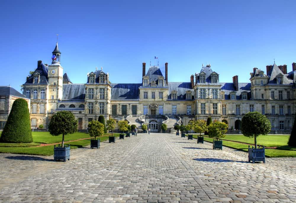 paris day trips chateau de fontainebleu