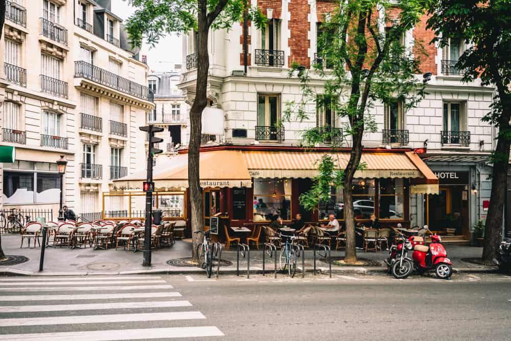 Paris vacation apartment rentals neighborhoods