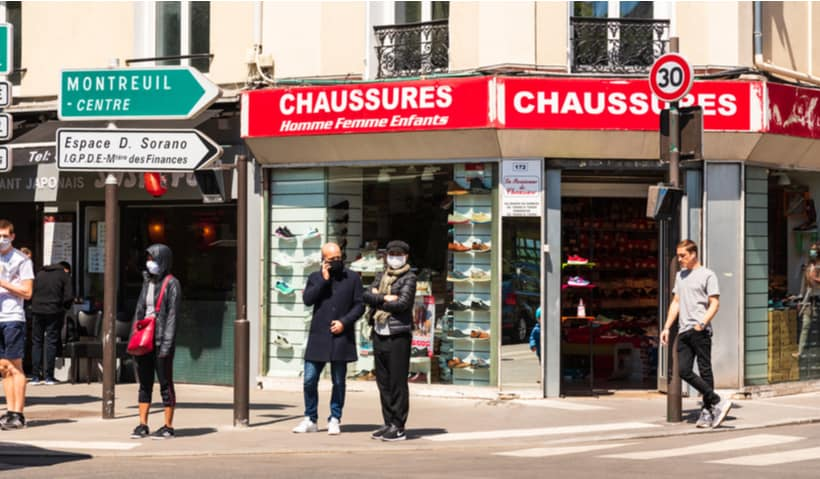 wearing masks foreign language communication france