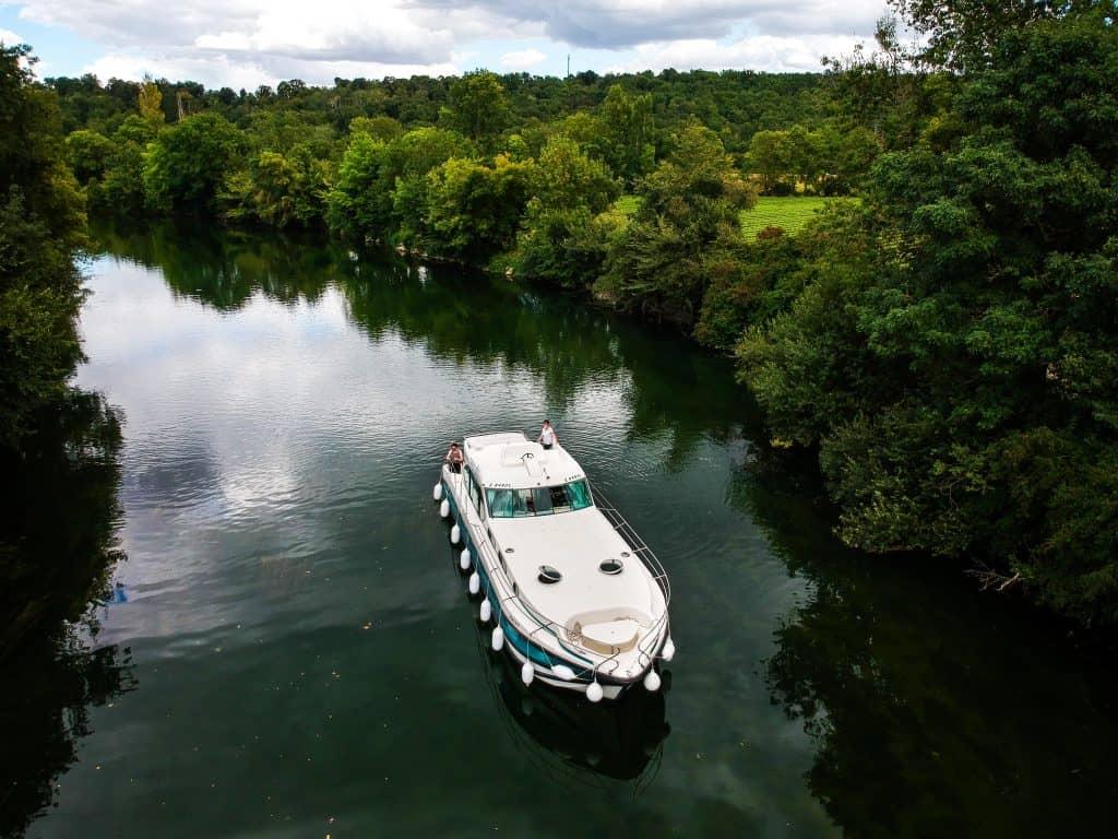 charente river self-drive cruise nicols