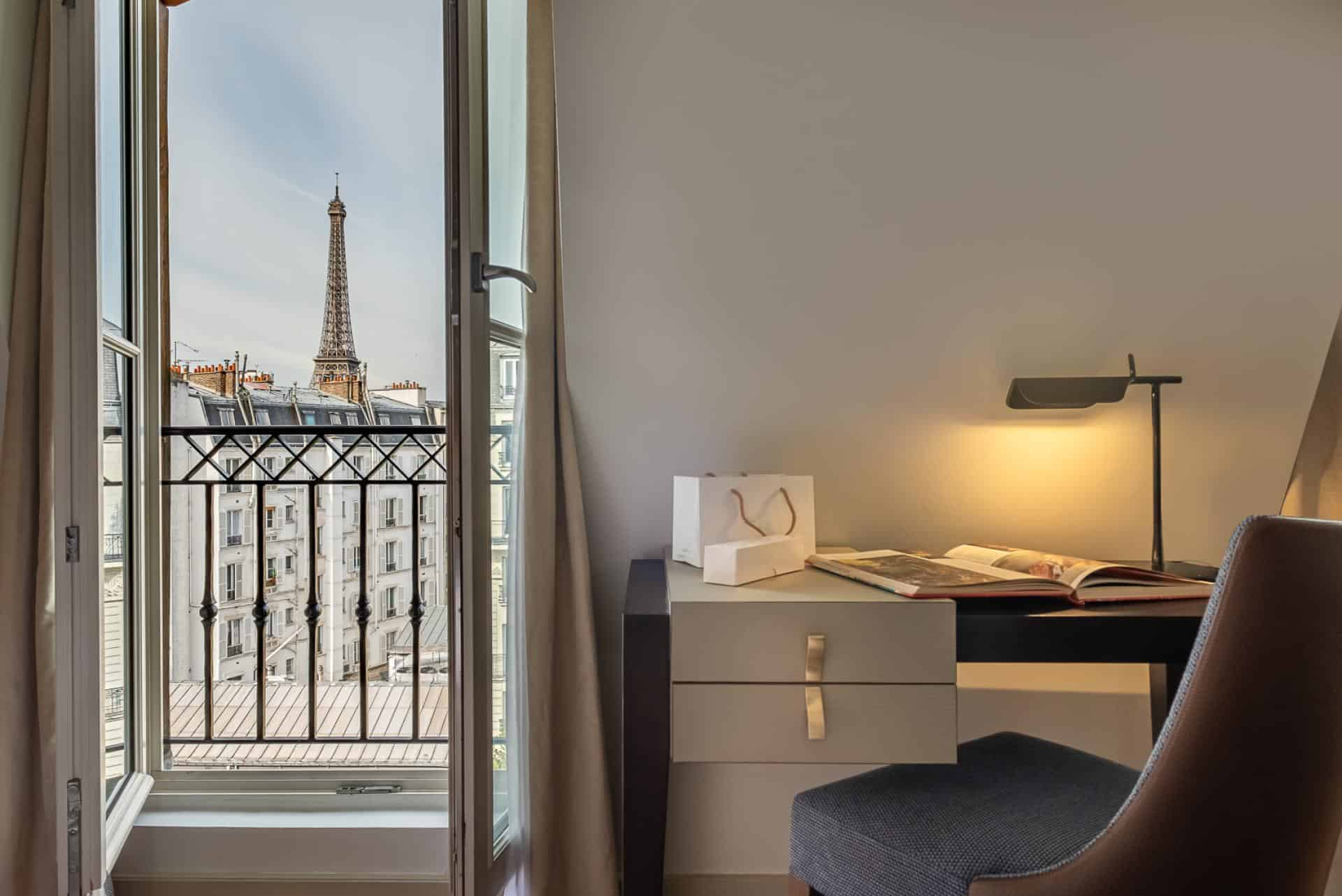 hotel le walt paris eiffel tower view