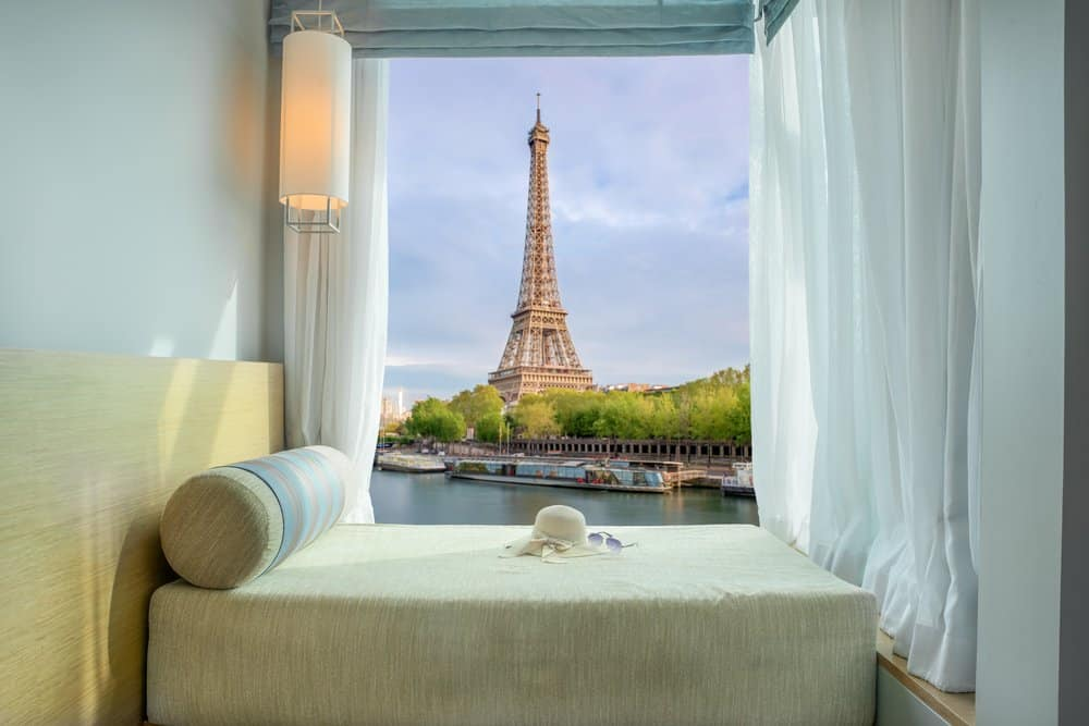 paris hotel eiffel tower view