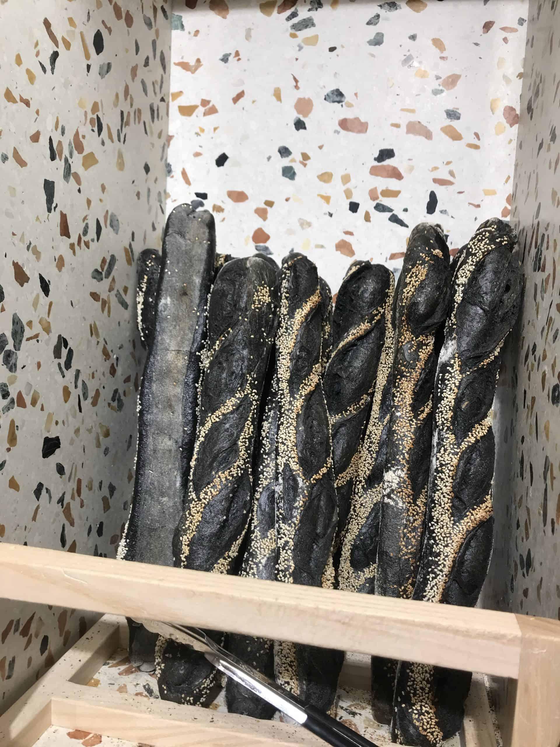 baguette au charbon vegetal paris galeries lafayette